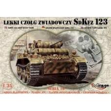 SD. KFZ 123 RECONAISSANCE TANK MIRAGE HOBBY 1/35